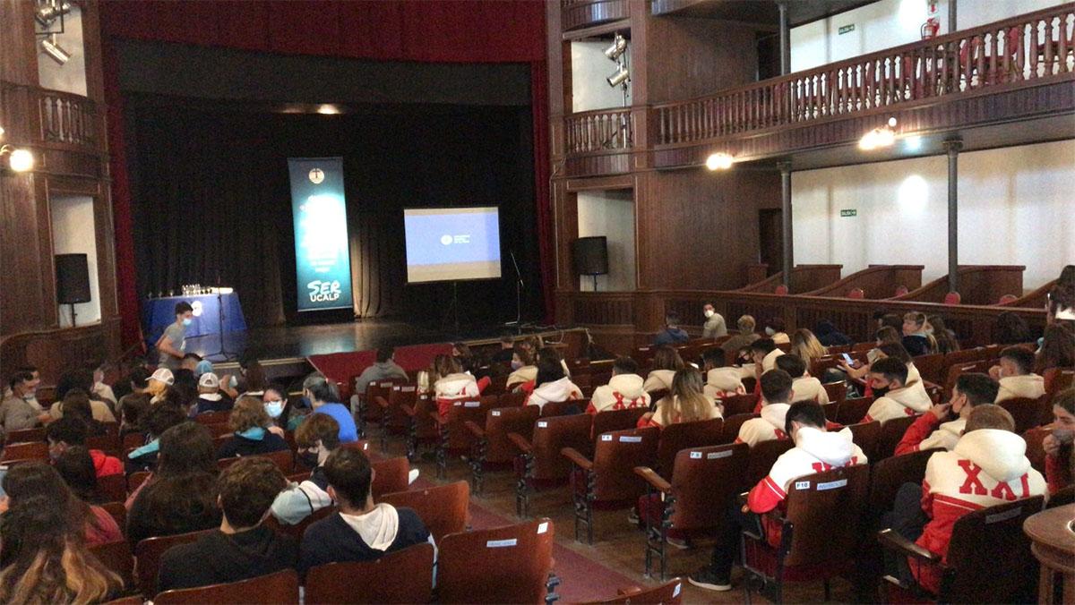 La UCALP presentó su oferta académica en el Teatro Español de Magdalena